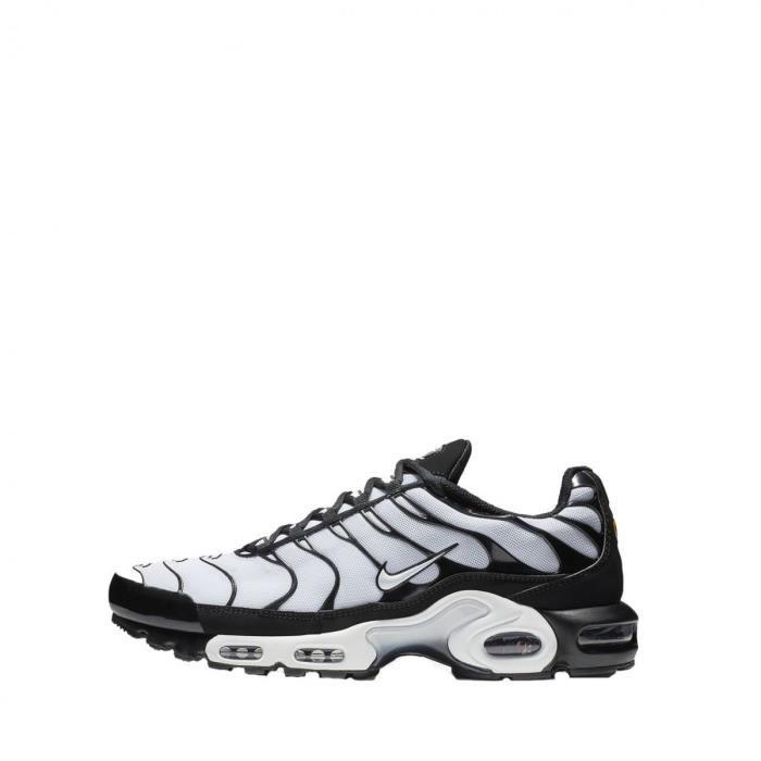 chaussure homme sport nike tn